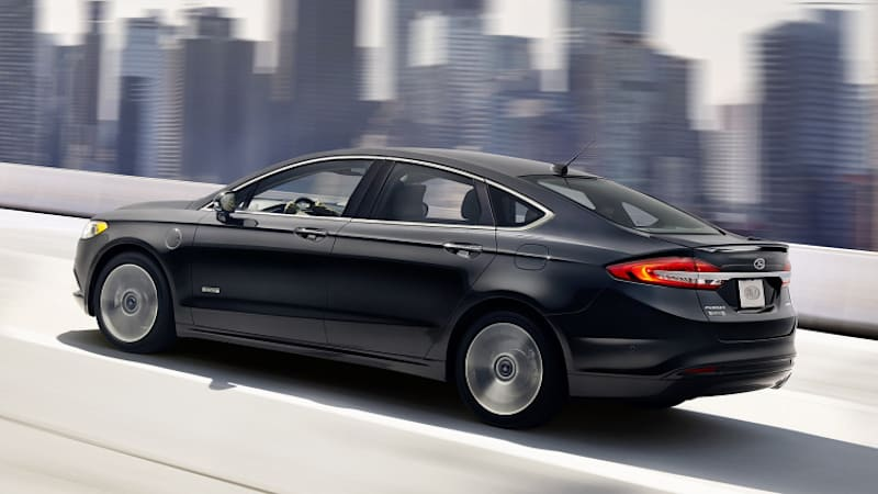 2017 Ford Fusion Hybrid and Energi Quick Spin