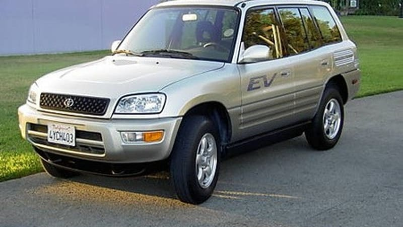 ebay find of the day 2002 toyota rav4 ev starting at 45 000 autoblog. Black Bedroom Furniture Sets. Home Design Ideas