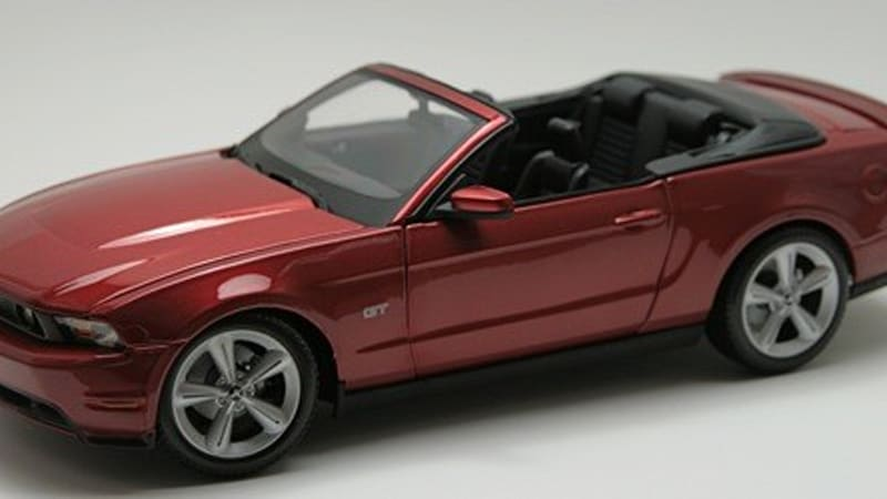 In the Autoblog toy chest: 2010 Mustang GT convertible 1/18 by Maisto ...