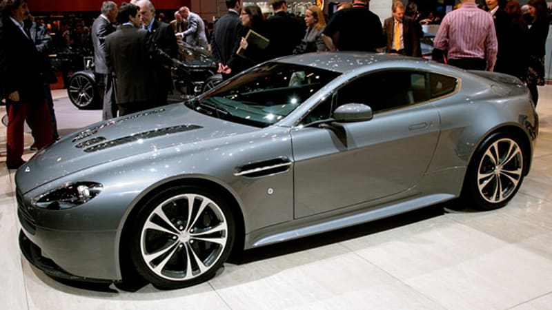 geneva 2009 aston martin v12 vantage packed with power autoblog. Black Bedroom Furniture Sets. Home Design Ideas