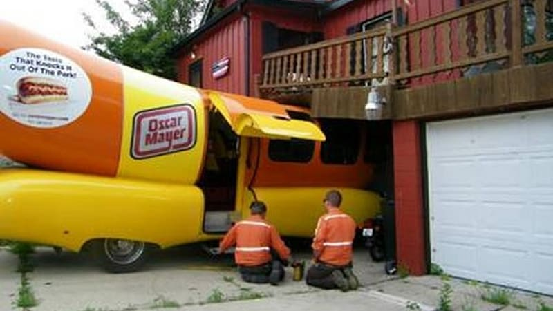 Oscar Mayer Bacon Coupons in addition Oscar Mayer Wiener Whistle in addition Kraft Foods Group Coupons additionally Oscar Mayer Wiener Whistle besides Wienermobile Cruises Oahu. on oscar mayer wienermobile specs