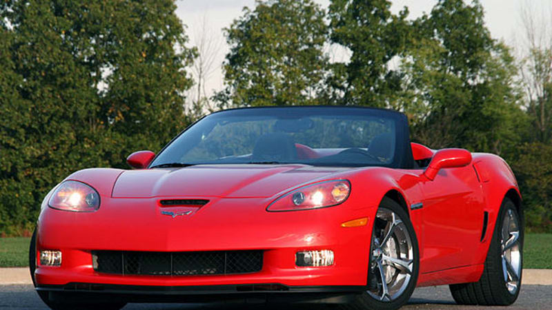 review 2010 chevrolet corvette grand sport convertible is just right autoblog. Black Bedroom Furniture Sets. Home Design Ideas