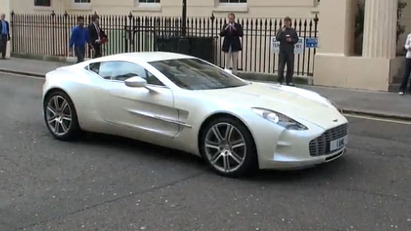 video white aston martin one 77 goes for a spin autoblog. Black Bedroom Furniture Sets. Home Design Ideas