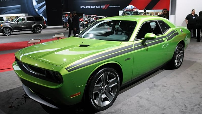 chicago 2011 2011 dodge challenger r t is green with envy and so are we autoblog. Black Bedroom Furniture Sets. Home Design Ideas