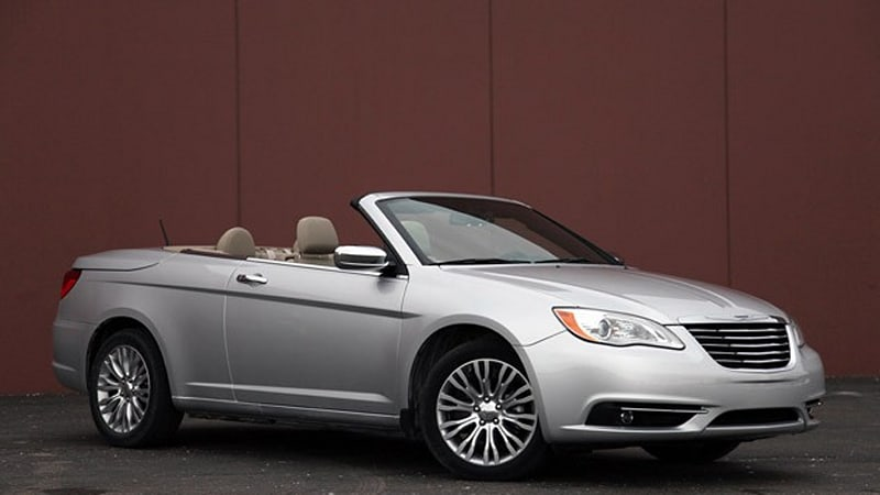first drive 2011 chrysler 200 convertible autoblog. Black Bedroom Furniture Sets. Home Design Ideas