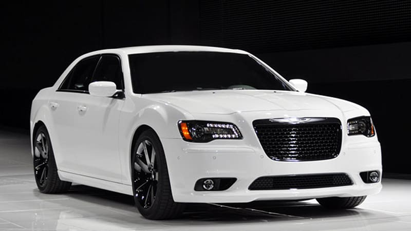 new york 2011 chrysler 39 s new 300 srt8 is a tuxedo wearing. Black Bedroom Furniture Sets. Home Design Ideas