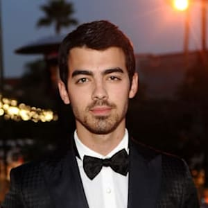 joe jonas, jonas brothers