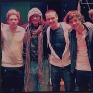 harry styles, johnny depp, one direction