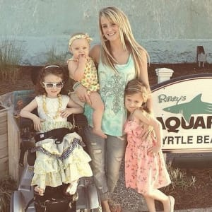 is maci bookout dating taylor kinney If you are a fan of teen mom 2 and maci bookout taylor mckinney is when taylor started dating maci.