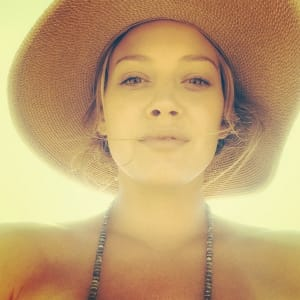 cambio style, hilary duff, makeup free