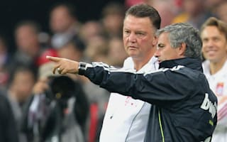 Van Gaal was treated poorly by United, but Mourinho will be a success - De Boer