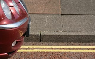 Government proposes double yellow line parking to save ailing high streets