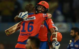 Finch carries bat as Lions edge out Mumbai