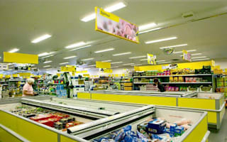 Shelves cleared in minutes when supermarket gives away all its food