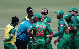 Mortaza out for at least a month with fractured thumb