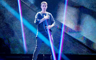 Justin Bieber storms off stage because fans kept screaming between songs