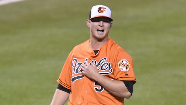 Orioles closer Zach Britton back on DL with forearm strain