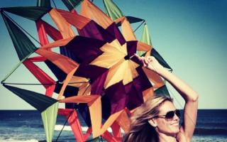 Heidi Klum shares bikini beach 'fun' photo