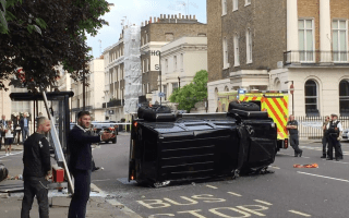 Mercedes G-Wagon rammed by Toyota Prius