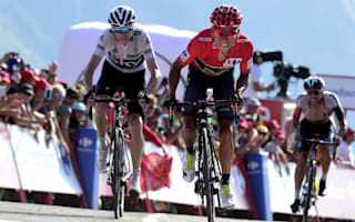Quintana frustrated as Froome stays close