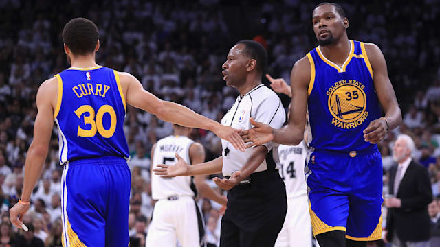 Saturday's NBA playoffs: Warriors keep rolling, take 3-0 lead over Spurs