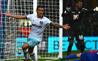 Crystal Palace 0 West Ham 1: Lanzini seals win for 10-man Hammers