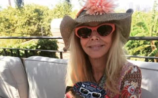 Britt Ekland and dog removed from flight