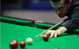 Selby late show leaves Crucible final in the balance
