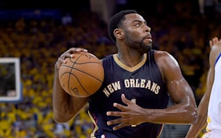 Pelicans guard Evans out for season after knee surgery