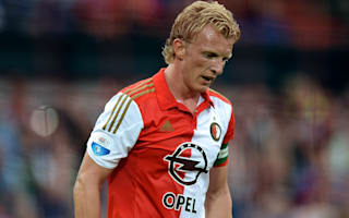 Kuyt signs new Feyenoord deal