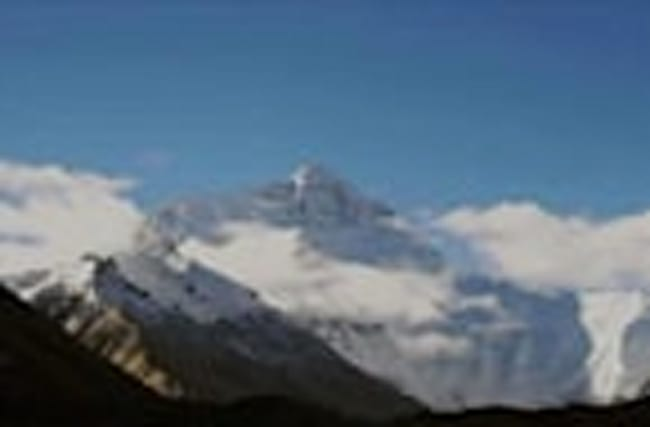 Climbers Die on Mount Everest