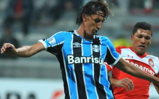 Geromel replaces Caio in Brazil squad