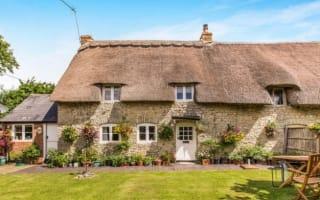 Large commuter homes - for under £400,000