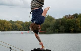 Simon takes the biscuit in record-breaking bungee dunk