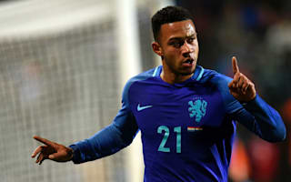 Depay to fight for Manchester United place amid Everton links