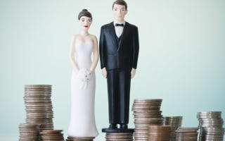 Average wedding costs over £52,000