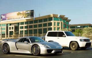 Porsche 918 Spyder loses drag race to Nissan Patrol SUV