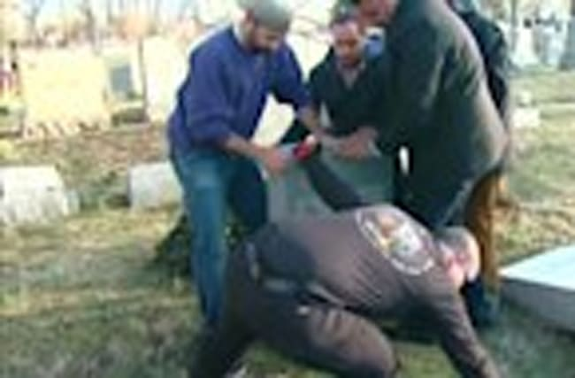 Philadelphia Jewish cemetery desecrated by vandals