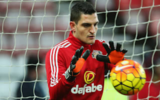 Sunderland goalkeeper Mannone out for three months