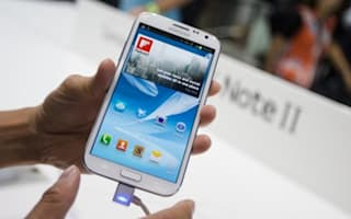 Samsung shows bendable phone screen