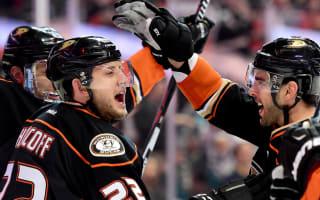 Ducks reclaim Pacific lead, Flyers eliminate Senators