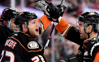 Ducks reclaim Pacific lead, Flyers eliminate Senators
