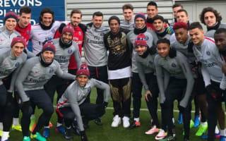 Ronaldinho meets Cavani and Di Maria ahead of PSG v Monaco
