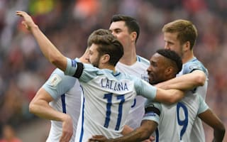 Defoe plays like he's 25 - Lallana lauds legend after England goal return