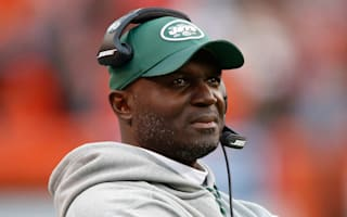 Bowles rejoins Jets to coach vs. Patriots after hospital scare
