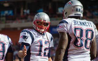 Brady back in business, Vikings sustain unbeaten start