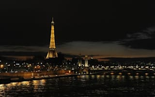 Paris streetlights could be turned off to save money