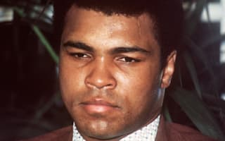 Mayweather lauds 'true legend' Ali