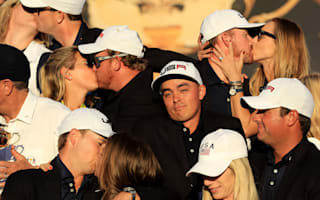 No kiss for Rickie: Fowler photo sparks amusement