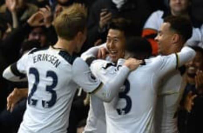 Tottenham smash five past struggling Swansea